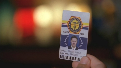 In which episode did Brennan gave Booth access card to the Jeffersonian?
