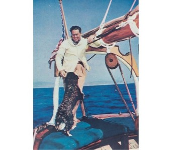 Name the two yachts owned by Errol Flynn