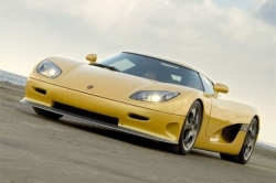 Top Speed of this car (Koenigsegg CCR) ?