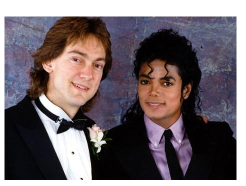 Who is this in the Picture with Michael?