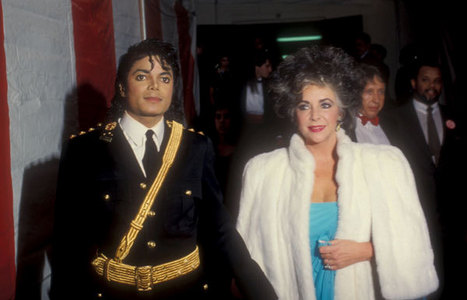 Who is in the fotografia with Michael?