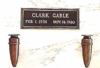 Gable is interred in Forest Lawn Memorial Park in Glendale, California beside Carole Lombard ?