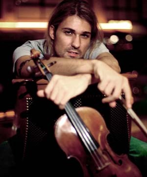 How old was David Garrett's Stradivarius violin when he fell on it and smashed it?