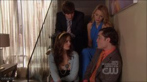 (2X25) Who did Serena ask to get the room quiet while she texts Gossip Girl?