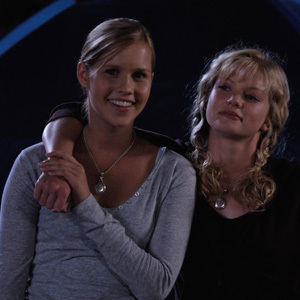 Who played double mermaid of Rikki and Emma?