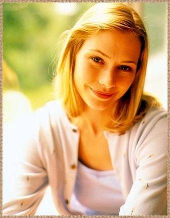 Who plays Haley Hotchner?