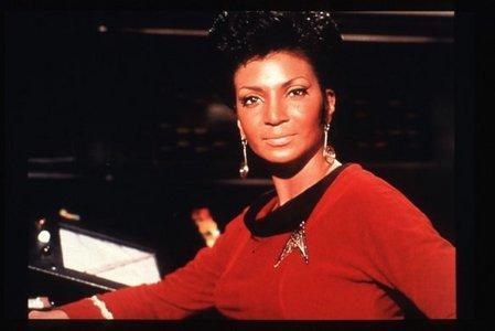 True o False: Nichelle Nichols origially didn't want to play the role of Uhura.