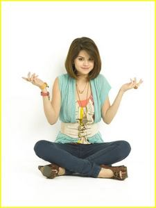 Which Song Is By Selena Gomez
