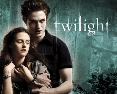 Who is the author of the twilight saga???
