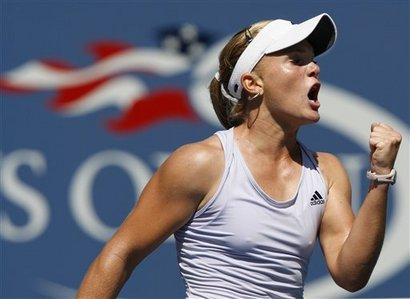 Who did Melanie Oudin not beat in the US Open 2009?