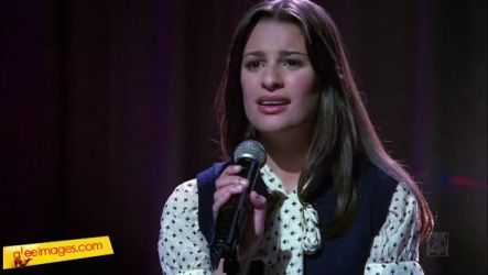 Showmance: What song did Rachel sing at the end of the episode?
