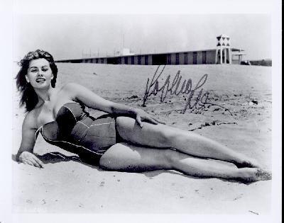 What tahun was Sophia Loren born?