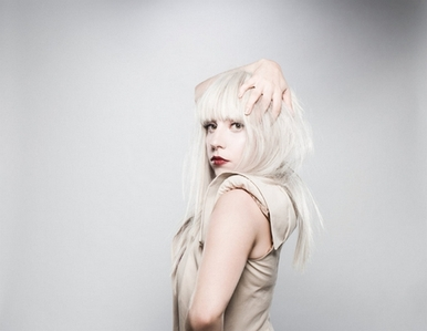 Wich of these Artists has Lady GaGa Not Written Musik For ?
