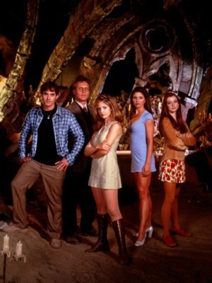 Buffy Math: Multiply the number of episodes in season 1 سے طرف کی the number of episodes in season 7.