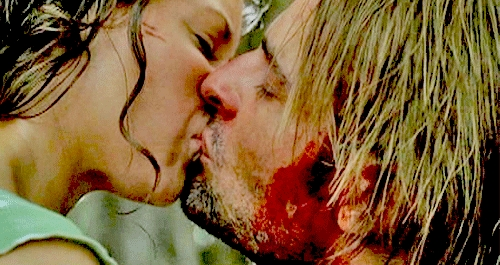 FIRST KISS: This is the first time Sawyer & Kate kiss?