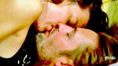 LAST KISS: This is the last Sawyer & Kate किस we've seen?