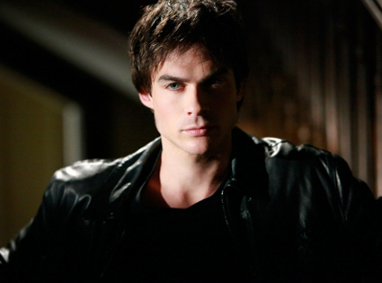 (1x05)Who frees Damon?