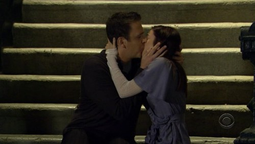 What age were Marshall & Lily when they lost their virginity to each other?
