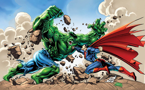 Which character won in the ファン determined battle between the Hulk and Superman?
