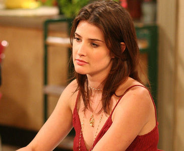 What was the name of the character that Cobie played in The L word?