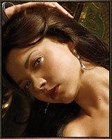 Who portrays Anne Boleyn on the show?