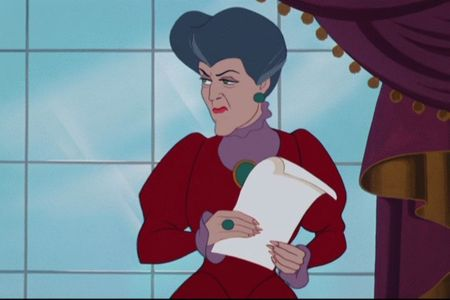 What does Lady Tremaine not tell Cendrillon to do?