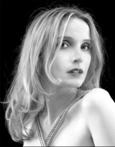Which of these songs is NOT a song performed by Julie Delpy?
