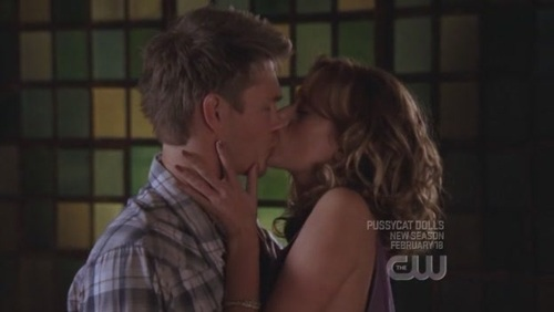 In what season did leyton finally 'do it' :p