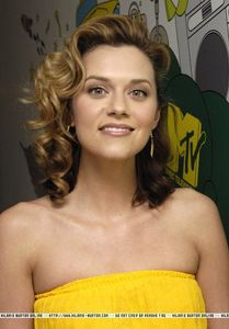 """Hilarie read """"Irregularities,"""" a short story 由 Courtney Jones at the Virginia Arts & Letters Live 显示 in October of ____?"""