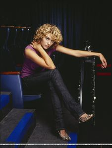 what age did hilarie deside she wanted to be an actress?