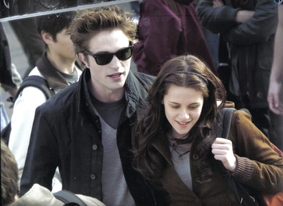 What was Edward's first impression of Bella before he found out that he can't read her mind?