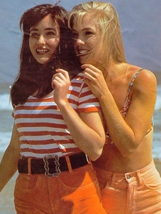 When Brenda and Kelly won a radio contest, what prize did they win?
