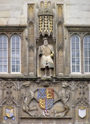 True یا False: Henry VIII founded Trinity College in Cambridge.