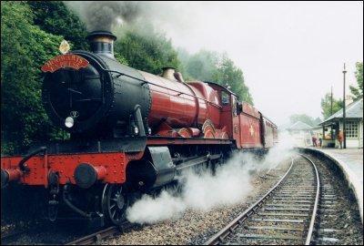 Hogwarts Express Wallpaper of Hogwarts Express