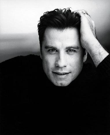 John Travolta starred in the original 1976 horror film, Carrie. True o false?