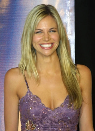 True or false ? He was engaged to Brooke Burns.