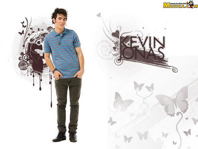 Which does Kevin like a girl to wear?