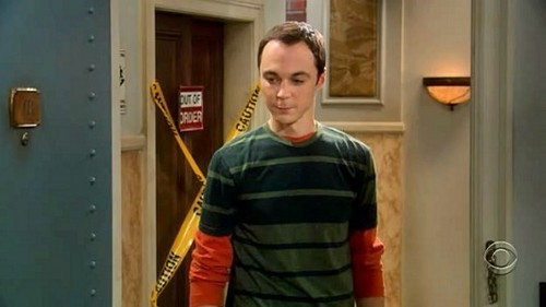 Sheldon's watch is linked to the atomic clock in what city?