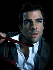 in witch gloriouse year was zachery quinto born.