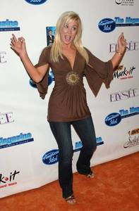 What season of American Idol was Kellie a contestant on?