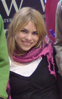 In which did Billie star in the remake Of Doctor who as Rose Tyler?