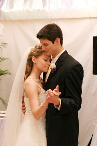 What is the Name of the episode in which it is Haley And Nathan's recommitment cermony?