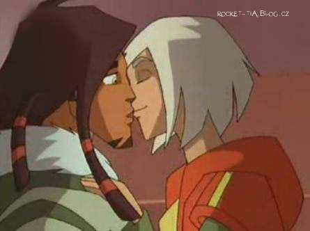 In which season was Rocket's and Tia's first kiss?