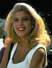 Donna (Tori Spelling) has NOT kissed which of the following guys on-screen during her 90210 career?