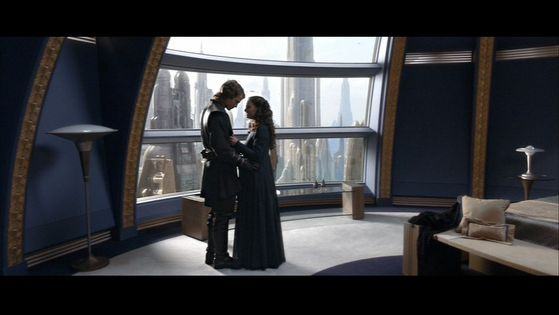 Padmé comforts Anakin about his conflicting feelings
