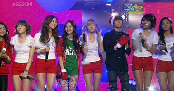SHINee, f(x) & SNSD @ 音乐 Bank 圣诞节 Special
