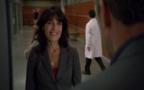 "48. This scene is a great huddy one cause house knows he is getting closer with cuddy so he makes a argument but she see right through him ""this is just your way of saying anda accept my apology """