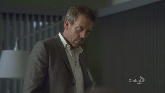 "26. This a great huddy moment foreman comes to house for 建议 on thirteen and house tells foreman ""unless 你 爱情 her, 你 do stupid things if 你 爱情 her"" house is clearly talking about his 爱情 for cuddy."