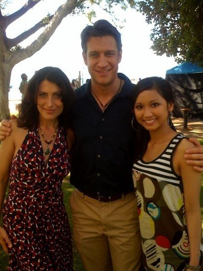 Lisa, Brenda and the realisator during the shooting in Hawai (same place in 2008)