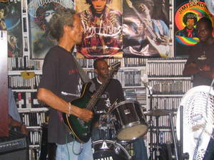 Michael on gitarre and Fabian on drums